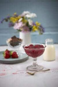 Jordbærgrød m/ fløde, MAD til hver DAG